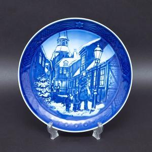 ロイヤル・コペンハーゲン イヤープレート(1996年)『Lighting the Street Lamps(街灯をともす頃)』|selectors