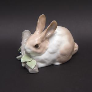 リヤドロ フィギュリン 『RABBIT EATING(食べるウサギ)』|selectors