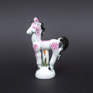 ドイツの名窯、マイセンのミニ干支シリーズ(2014年)のフィギュリン「馬(ウマ)」(レッド)。  日...
