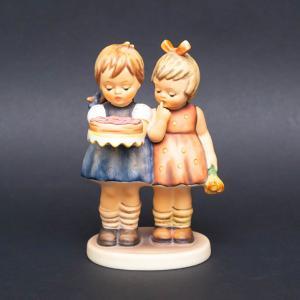 ゲーベル フンメル人形 『Happy Birthday(ハッピーバースデー)』 selectors
