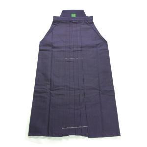 「初めての綿袴」にピッタリの小・中学生向けで、細身仕立が特徴の商品です。 綿袴ならではの肌触り、なら...