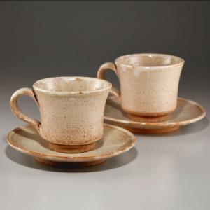 ■特徴 土味を生かしたコーヒーカップです。 2客を揃えてありますので、ギフトに最適です。 在庫数以上...