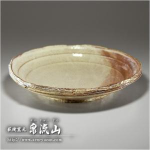 ■特徴 大きさ、風合いともに使い勝手の良い鉢です。 在庫数以上をご希望の方は、余裕がありますのでお問...