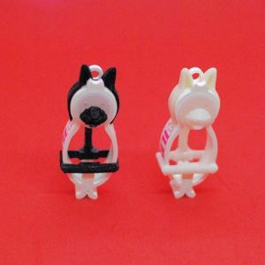 TLTLハンカチクリップ 2個セット(黒猫と白猫 マスク有り)|sentakuclip