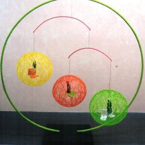 絹てまり 緑スタンド小巻3個吊りタイプ オレンジと山吹色とみどり色|senyotei