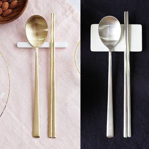 [韓国雑貨]これがないと始まらない スッカラ&チョッカラ お箸&スプーン 2膳セット[ゴールド / シルバー][韓国食器][可愛い][かわいい]|seoul4