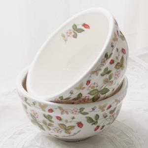 [韓国雑貨]ストロベリー陶磁器 お茶碗 2Pセット[お茶碗 2客セット][韓国食器][可愛い][かわいい][韓国 お土産]13K253513112425|seoul4