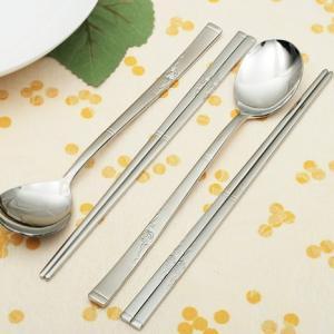 [韓国雑貨]これがないと始まらない スッカラ&チョッカラ お箸&スプーン 2膳セット[シングル薔薇][韓国食器][可愛い][かわいい][韓国 お土産]|seoul4