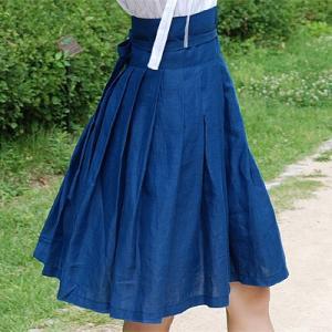 [韓国雑貨] 伝統衣装を今に蘇らせた  韓国の香りがするスカート≪深い海色≫ [ファッション] [輸入雑貨] [かわいい] seoul4