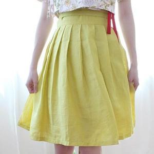 [韓国雑貨] 伝統衣装を今に蘇らせた  韓国の香りがするスカート≪カラシ色≫ [ファッション] [輸入雑貨] [かわいい]|seoul4