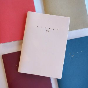 [韓国雑貨]結局のところシンプルが一番でしょ? 大人な合皮カバーのSIMPLY DIARY 《2018年韓国暦》[カレンダー][ダイアリー]|seoul4
