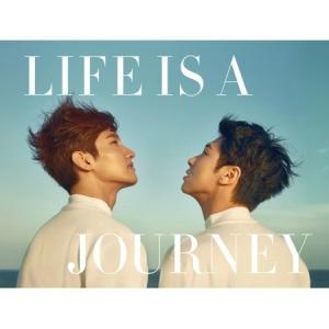 (予約販売)東方神起 (TVXQ) / (写真集)LIFE IS A JOURNEY [東方神起 (TVXQ)][韓国 CD] seoul4