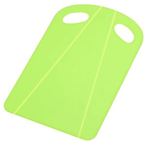 ・まな板を折り曲げ、食材をサッと鍋に移せる. 「おれるまな板」です ・シートタイプなので軽くて持ちや...