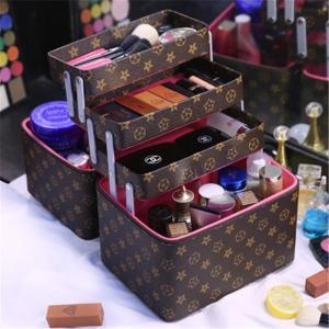 大容量メイクボックス コスメボックス 雑貨 小物入れ 持ち運び可 ネイル プロ 美容 大容量 アクセサリー 収納 化粧品 ジュエリーボックスの写真