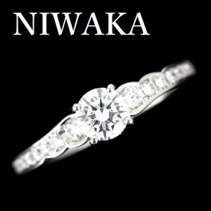 NIWAKAのダイヤモンドリングです。  ダイヤモンドは、ニアカラーレスグレードのGカラー、 ルーペ...