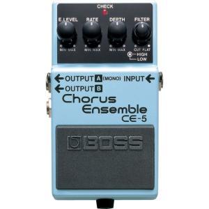 BOSSエフェクターの名機中の名機「CE-1」直系のコーラスペダルがこの「CE-5」。  2バンドフ...