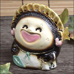信楽焼 4号笑福狸 メス  たぬき 福を呼ぶ縁起物 タヌキ 陶器 狸 開運 厄除け 商売繁盛 置物  狸 陶器 タヌキ たぬき 陶器|shigaraki