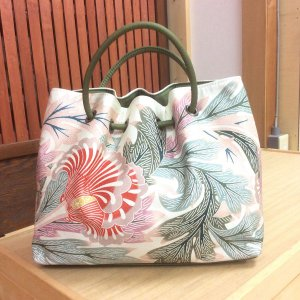 栗山工房 1本ユリ 和染紅型 和装用バッグ 着物に合うバッグ セミフォーマル 和柄バッグ かばん|shikisaikan