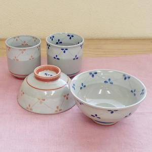 サイズ:ご飯茶碗(青):W12.3×H6cm     ご飯茶碗(赤):W11×H5.6cm     ...
