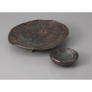 刺身皿と醤油小皿のセット。多彩な料理に対応できる業務用和食器です。 サイズ:足付刺身皿:W20×D1...