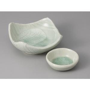 刺身皿と醤油小皿のセット。多彩な料理に対応できる業務用和食器です。 サイズ:四方向付:W14.7×H...