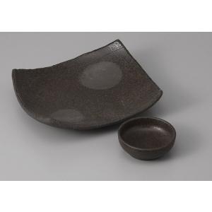刺身皿と醤油小皿のセット。多彩な料理に対応できる業務用和食器です。 サイズ:四方上り向付:W18×D...