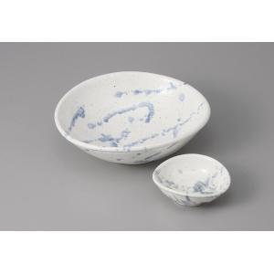 刺身皿と醤油小皿のセット。多彩な料理に対応できる業務用和食器です。 サイズ:楕円向付:W18.5×D...
