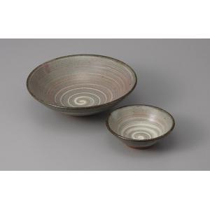 刺身皿と醤油小皿のセット。多彩な料理に対応できる業務用和食器です。 サイズ:刺身皿:W15×D15×...
