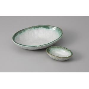 刺身皿と醤油小皿のセット。多彩な料理に対応できる業務用和食器です。 サイズ:刺身鉢:W18.5×D1...