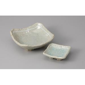 刺身皿と醤油小皿のセット。多彩な料理に対応できる業務用和食器です。 サイズ:刺身鉢:W13.5×D1...