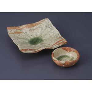 刺身皿と醤油小皿のセット。多彩な料理に対応できる業務用和食器です。 サイズ:四方向付:W16×D15...