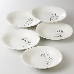 シンプルなフラワー柄が描かれたお洒落でモダンなデザインのカレー皿の5枚セットです。 新築祝いや引出物...