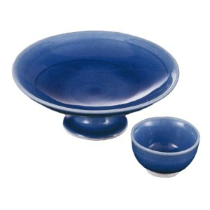 青色が美しい向付と醤油小皿のセットです。  内容:向付×1、小皿×1 サイズ: 向付:W14.5×H...