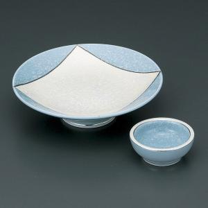 爽やかなブルーの個性的なデザインの刺身皿と醤油小皿のセットです。  【サイズ】皿:W17×H4.6c...