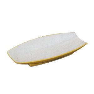 長方形のような個性的な形の刺身皿です。お揃いの醤油小皿もご用意しています。  【サイズ】W24.5×...