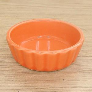光沢のあるカラーが色合いの直火に使えるアヒージョのお皿です。 スペイン料理ではおつまみや、手軽に食べ...
