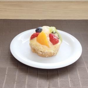 お皿のリムがアーチを描く丸いフォルムのプレートです。  サイズ:W16.2×H2cm 材 質:磁器 ...