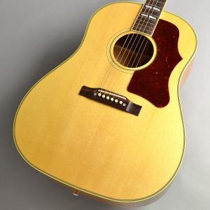 Gibsonアコースティックギターを代表するJ-45と同等の基本スペックを持ちながら、指板やヘッド部...