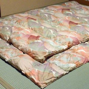 柏屋旅館オリジナル二枚合わせ羽毛掛け布団、2枚重ねで冬も暖か|shimaonsen