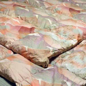 柏屋旅館オリジナル二枚合わせ羽毛掛け布団、2枚重ねで冬も暖か shimaonsen 02
