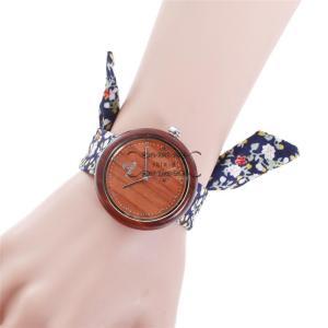 レディース 腕時計 ズックバンド 布バンド 赤檀 木製 きれいめ 上品 大人 花柄 布 オシャレ 大人気 上品  軽い 品質 大人気 お出かけ ファション|shin-8