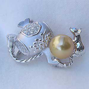 真珠パール 帯留め 南洋白蝶真珠 ダイヤモンド ホワイトゴールド 打ち出の小槌 6月誕生石 冠婚葬祭|shinjunomori