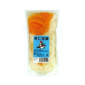 杏仁(杏の種)より抽出したフレーバーを使用した寒天に、大きめにカットしたフルーツを加え、甘さ控えめに...