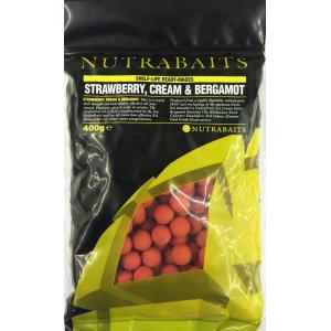 鯉釣りエサ NUTRABAITS strawberry,cream & bergamot ニュートラベイツ ボイリー15mm 400g (ストロベリークリーム&ベルガモット)|shizenmankituya