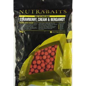 鯉釣りエサ NUTRABAITS strawberry,cream & bergamot ニュートラベイツ ボイリー15mm 1kg (ストロベリークリーム&ベルガモット)|shizenmankituya