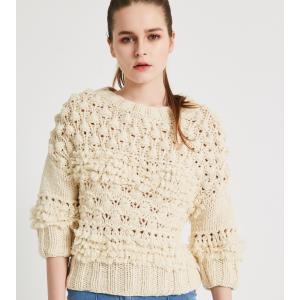 SHOKAY(ショーケイ)手編みタッセル・セーター(オフホワイト、ウール×ヤク×カシミヤ)|shokay