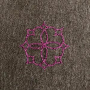 アイヌ文様刺繍フラワー|shokay