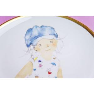 いわさきちひろ◆2019年イヤーズプレート「スケッチブックを持つ青い帽子の少女」|shokki|02