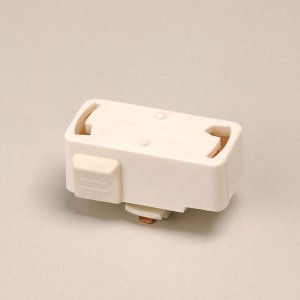 引掛けシーリング式照明をダクトレールで使用する時に必要な変換プラグです。 抜け止め機能付きの安心設計...