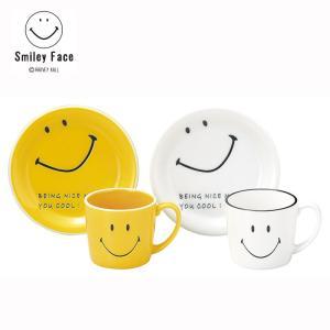 スマイリーフェイスは、黄色い円形に笑顔の描かれたキャラクター。  スマイリーは、日本ではニコちゃんマ...